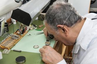 riparazione repliche orologi